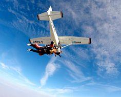 #skydiving #skydive #tandemjump #tandemskydive #tandemskydiving #cessna #cessna172 #freefall #adrenaline #bucketlist #timisoara #arad #oradea #romania #parachute #uptvector #diverdriver #gojumpro Tandem Jump, Cessna 172, Paragliding, Skydiving, Club, Aircraft, Romania, Tattoos, Makeup
