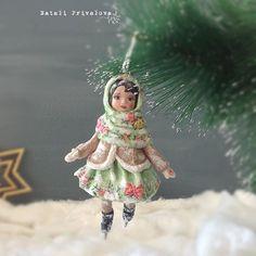 Ещё одна девочка в мятном. Ватная елочная игрушка, 13 см #ватнаяигрушка #игрушкиизваты #мятный #новыйгод #newyear #cottondoll #doll