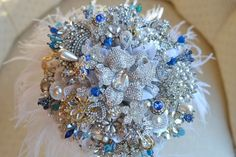 bridal inspiration | Vintage Rose /Garden Brooch   Bouquet