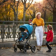 The Balios family has an elegant new member: the Balios S Lux. Part of the CYBEX 4-in-1 Travel System, the Balios S Lux accommodates a seat unit, an infant car seat, the Cot S or the comfy Cocoon S. With one hand it can be folded down to a self-standing position measuring 77 x 60 x 43 cm. The stroller is also suitable from birth, with a large seat that can be reclined to a full lie-flat position. Travel System, 4 In 1, Cot, Baby Car Seats, Baby Strollers, Birth, Infant, Elegant, Blue