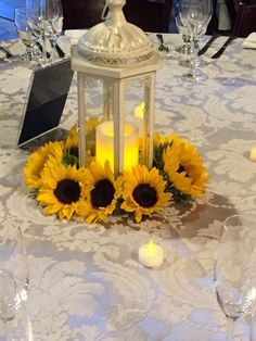 Sunflower wedding centerpieces Rustic sunflower wedding Sunflower themed wedding Lantern centerpiece wedding Sunflower centerpieces Wedding table centerpieces - Bold chic fun and bright as suns - Sunflower Wedding Centerpieces, Lantern Centerpiece Wedding, Vintage Wedding Centerpieces, Wedding Flowers, Centerpiece Ideas, Wedding Vintage, Rustic Sunflower Weddings, Sunflower Wedding Decorations, Yellow Centerpieces
