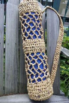 Sin título Free Crochet Bag, Crochet Tote, Crochet Purses, Crochet Yarn, Plastic Bag Crafts, Plastic Bag Crochet, Recycled Plastic Bags, Plastic Plastic, Plastic Spoons