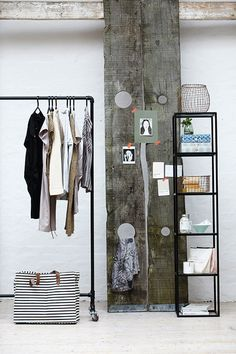 Love to have this clothes rack made out of pipes! - housedoctor_E13_131a