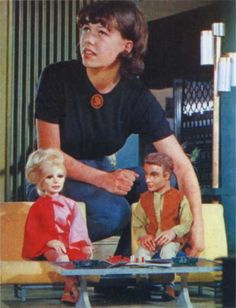 SuperM - Wanda Webb Brown positions Penny and Virgil on the Tracy living room set Cinema Movies, Sci Fi Movies, Movie Tv, Science Fiction, Thunder Bird, Thunderbirds Are Go, Fantastic Show, Favorite Cartoon Character, Kids Tv