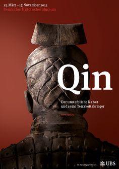 Veranstaltungsplakat «Qin – Der unsterbliche Kaiser und seine Terrakottakrieger», rot.