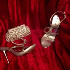 Sexy❤️Rhinestone❤️Heels❤️Fredricks of Hollyood Elegantly stunning❤️rhinestone silver heels❤️By Fredrick of Hollywood❤️4in heel❤️wrap around ankle closure❤️gently preowned❤️all rhinestones in tact❤these have a protective,clear strap under the rhinestones,so they don't lay directly on the skin..to cause discoloration from the rhinestones❤️️excellent condition❤️a show stopper❤️sz 9❤️tradesbundle disc.❤️please use offer button via all offers❤️Thank You Frederick's of Hollywood Shoes Heels
