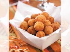 Πατατοκροκέτες συνταγή - Ένα νοστιμότατο ορεκτικό, ιδανικό για μπουφέ ή παιδικό πάρτι. Πατατοκροκέτες με μπέικον και τυρί τσένταρ. Δοκιμάστε τις…