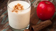 Nothing says spring or summer like a nice refreshing smoothie. Looking for that perfect healthy smoothie recipe? Here's a list of 7 decadent smoothies all under 200 calories Cinnamon Recipes, Lemon Recipes, Cinnamon Apples, Smoothie Proteine, Coconut Smoothie, Nutritional Shake Mix, Troubles Digestifs, Herbalife Shake, Slimming Recipes