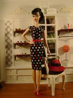 Yes, I know it's on Barbie, but I do love this dress.