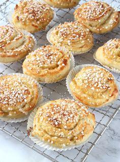Smörbullar - Lindas Bakskola & Matskola Baking Recipes, Cookie Recipes, Dessert Recipes, Desserts, Swedish Recipes, Sweet Recipes, Coffee Bread, Bagan, Sweet Bread