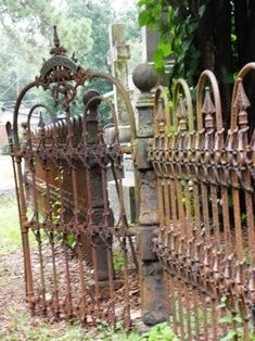 old rustic gate in a cemetary Garden Gates And Fencing, Fence Gate, Old Cemeteries, Graveyards, Old Gates, Wrought Iron Gates, Rustic Doors, Entrance Gates, Architectural Salvage
