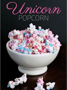 popcorn is an easy to make and colorful treat that is perfect for your unicorn themed birthday party or unicorn sleepover!Unicorn popcorn is an easy to make and colorful treat that is perfect for your unicorn themed birthday party or unicorn sleepover! Unicorn Themed Birthday Party, Birthday Party Snacks, Snacks Für Party, Snacks Kids, Birthday Breakfast, Unicorn Party, Slumber Party Foods, Kids Birthday Treats, Easy Unicorn Cake