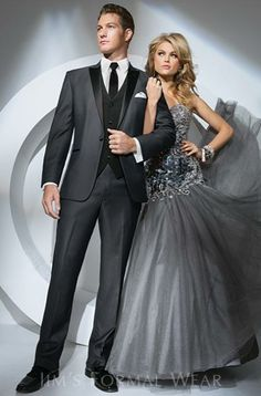 Tony Bowls Gray Portofino Slim Fit Tuxedo Available at Shannon Renee's Formal Wear! Bal Smoking, Grey Suit Wedding, Tuxedo Wedding, Grey Prom Tux, All Black Suit Prom, Black On Black Suit, Blue Tux, Wedding Groom, Ball Gowns