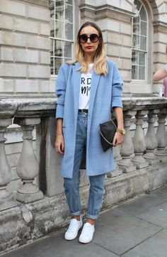 Latest Fashion Trends – This casual outfit is perfect for spring break or the Fall. 35 Brilliant Casual Style Outfits To Rock This Year – Latest Fashion Trends – This casual outfit is perfect for spring break or the Fall. Nyc Street Style, European Street Style, Rihanna Street Style, Street Style Looks, London Street Fashion, London Style, London Street Styles, London Fashion Weeks, Street Look