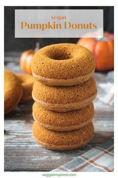 Easy Baked Vegan Pumpkin Donuts - Soft, fluffy donuts with all the flavors of fall! Gluten free and oil free! Perfect on their own or top them off with sweet dairy free vanilla icing for an indulgent dessert treat. Vegan Pumpkin Cookies, Pumpkin Dessert, Pumpkin Spice, Chocolate Desserts, Vegan Desserts, Vegan Recipes, Vegan Sweets, Vegan Food, Free Recipes