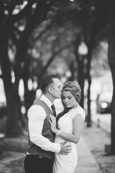 absolutely SWOONING over my bestie's newly posted engagement photos! such a gorgeous, modern, classy bride!!!!!!!! AHHHH