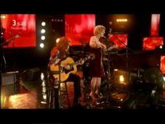 Bonnie Raitt & Alison Krauss: Papa come quick HD I Love Music, Music Mix, Sound Of Music, Good Music, Music Clips, Music Bands, Bonnie Raitt, Norah Jones, Bluegrass Music