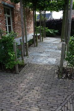 What You Can Do To Improve Your Landscaping using Garden Arbor Everyone that owns a home wants to take pride in it. Garden Paving, Garden Arbor, Garden Deco, Love Garden, Garden Paths, Garden Design Plans, Professional Landscaping, Porche, Home Landscaping