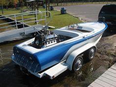'50s Vintage Ski Boat