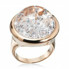 Classic Stars 18kt rosé gold with 0.60 ct brilliants inside the dome. Image courtesy of Royal Asscher. GIA (011714)