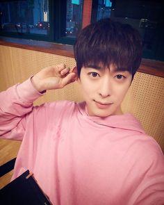 Donghyun ~ 오늘 반가웠어요 영광이 생일축하해♥