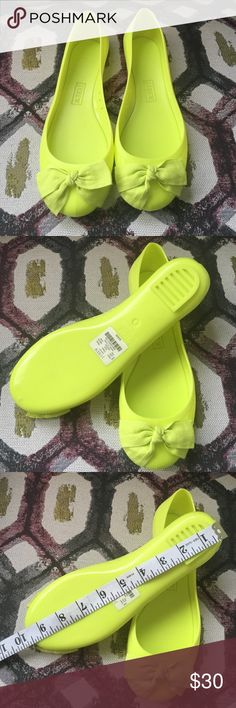 NWT J Crew Jelly Sandals Size 8 NWT run small 7.5 true size J. Crew Shoes Flats & Loafers
