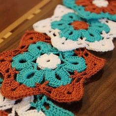 I love the colour combination… #crochet #crocheting #crocheted #crochetdesign #crochetideas #crochetlovers #handmade #accessoriesdesign #crochetfun #crochetaddict #crochet_lovers_of_instagram #coasterdesign #coaster_design #كروشيه #كروشيهات #ديكورات...