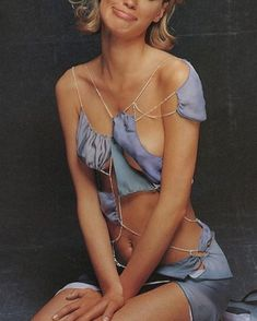 Galliano s/s 1992 90s Fashion, High Fashion, Vintage Fashion, Fasion, John Galliano, Hot Outfits, Madame, Spring, String Bikinis