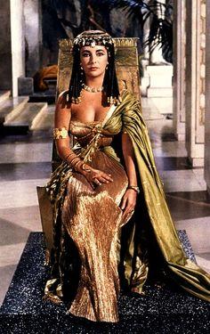 Elizabeth Taylor interpreting Cleopatra - Pesquisa Google