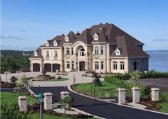 "Luxury Homes Interior Dream Houses Exterior Most Expensive Mansions Plans Modern 👉 Get Your FREE Guide ""The Best Ways To Make Money Online"" Extravagant Homes, Dream Mansion, Beach Mansion, Dream House Exterior, Big Houses Exterior, Large Homes Exterior, Luxury Homes Exterior, House Exteriors, Modern Exterior"