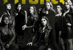 New poster for 'Pitch Perfect starring Anna Kendrick, Brittany Snow, Hailee Steinfeld, Elizabeth Banks and Anna Camp. Anna Camp, Brittany Snow, Hailee Steinfeld, Anna Kendrick, Alexis Knapp, Trinidad James, Elizabeth Banks, New Trailers, Movie Trailers