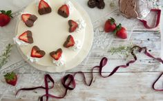 Baixar Wallpaper comida,  morangos,  bolo,  Amor Papis de parede grtis na resoluo 2560x1600 — quadro №545196