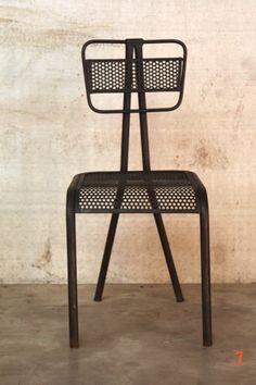 Chaise industrielle design - mobilier industriel B.A.R.A.K.'7 Parfaite chez moi !