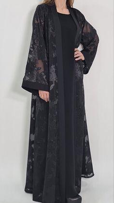 Abaya Fashion, Muslim Fashion, Kimono Fashion, Fashion Outfits, Beautiful Pakistani Dresses, Abaya Designs, Indian Designer Outfits, Mode Hijab, Christian Clothing