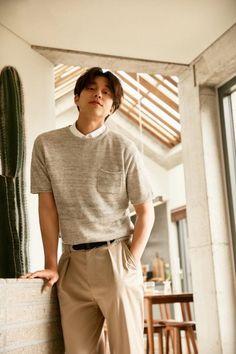Asian Actors, Korean Actors, Goblin Gong Yoo, Korean Fashion, Mens Fashion, Fashion Menswear, Suit Fashion, Yoo Gong, Gong Li