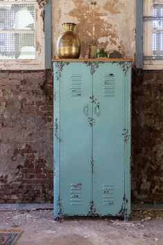 This rusty cabinet from Dutchbone is a great example of an industrial style locker or cabinet that would work well in a converted warehouse home or industrial style loft space. The distressed finish gives it a vintage look. Converted Warehouse, Warehouse Home, Vintage Lockers, Metal Lockers, Repurposed Lockers, Vintage Industrial, Industrial Style, Industrial Lockers, Industrial Living