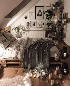 Stylish bedroom by Stylish bedroom by Stylish bedroom by The post Stylish bedroom by appeared first on Warm Home Decor. Bohemian Room, Bohemian Bedroom Decor, Home Decor Bedroom, Bedroom Inspo, Bohemian Decorating, Bedroom Décor, Bedroom Black, Decor Room, Boho Hippie