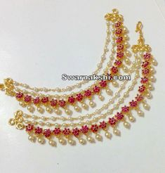 Ear chains Gold Temple Jewellery, Gold Wedding Jewelry, Gold Jewelry Simple, Bridal Jewelry, Simple Necklace, Jewelry Design Earrings, Gold Jewellery Design, Ear Jewelry, Jewelry Necklaces