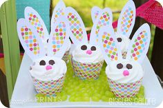 Easter Bunny Cupcakes with printables. So cute!