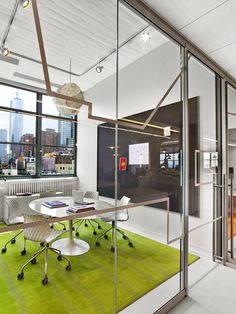 As part of a larger relocation to Hudson Square for several Havas companies, TPG designed Arnold Worldwide's new workspace at 205 Hudson Street. Located in a former printing house building, the space is flooded with natural light, 360-degree views including waterfront, and benefits from 11-foot ceilings.  #workspace #office #headquarters