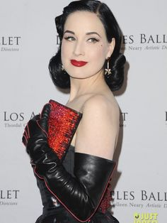 Dita at the Los Angeles Ballet's 2019 Gala held at The Beverly Hilton Hotel on Thursday (April in Beverly Hills, California. Leather Fashion, Fashion Boots, Elegant Gloves, Black Leather Gloves, Smart Outfit, Dita Von Teese, Celebs, Celebrities, Sexy Dresses