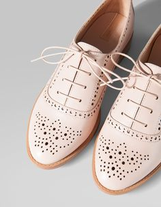 Stradivarius Punched brogues