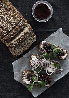 Scandinavian Wellness - THE LIFE-CHANGING NUT & SEED BREAD, GLUTENFREE AND VEGAN
