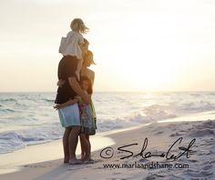 Art beach family photography-kids-and-families People Photography, Beach Photography, Children Photography, Family Photography, Amazing Photography, Cute Family Pictures, Beach Family Photos, Family Pics, Beach Photos