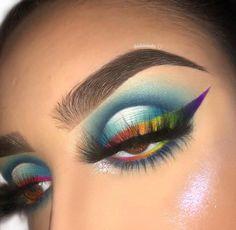 Peacock Inspired Dramatic Eye Makeup Ideas, - Makeup Looks Dramatic Peacock Eye Makeup, Dramatic Eye Makeup, Dramatic Eyes, Blue Eye Makeup, Makeup Goals, Makeup Inspo, Makeup Art, Makeup Inspiration, Makeup Tips