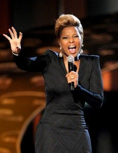 Mary J Blige // black with a striking neckline & fitted elsewhere