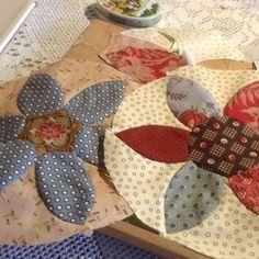 Bloemen voor mijn Brinton Hall #patchwork #brintonhall