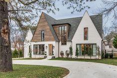 52 Trendy Ideas For Farmhouse Exterior Design Architecture Exterior Paint Colors For House, Dream House Exterior, Paint Colors For Home, Stucco Colors, House Ideas Exterior, Home Exterior Design, Paint Colours, Dark Colors, Modern House Exteriors