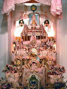 Laurie Zuckerman- another gorgeous altar installation