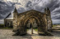 la chapelle Notre-Dame des Grâces . Pointe de St-Mathieu. Bretagne